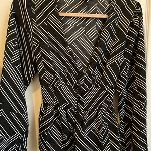 NEW Black and White patterned blouse size large